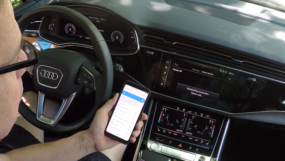 Syncing a smart phone to the Audi Q7 SUV