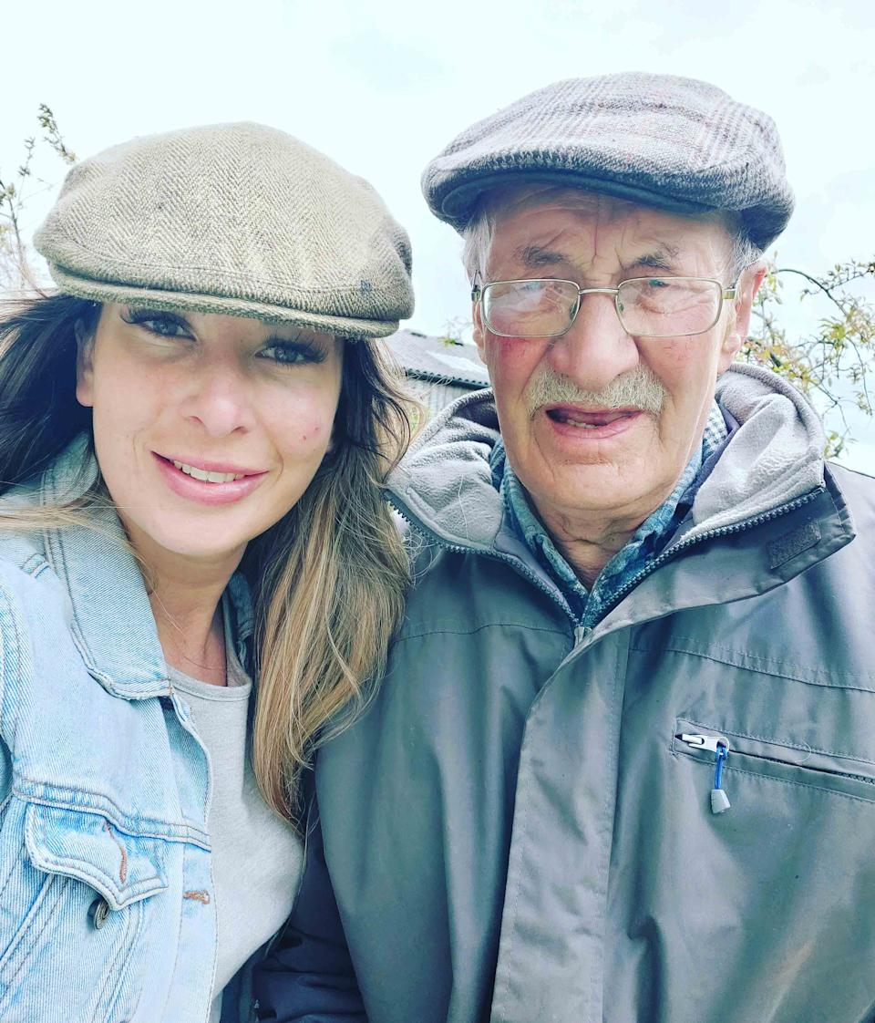 Sophie and her dad Keith Murgatroyd. (MEN)