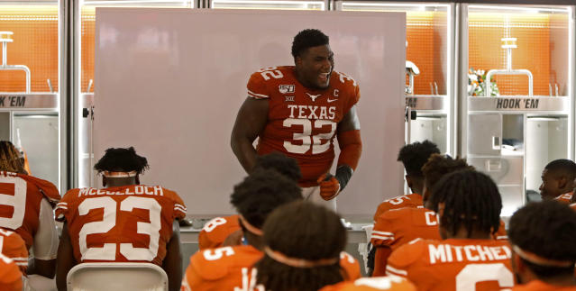 Texas Longhorns defensive lineman Malcolm Roach #32 speaks to teammates during halftime in the locker room Saturday Sept. 7, 2019 at Darrell K Royal-Texas Memorial Stadium in Austin, Tx. ( Photo by Edward A. Ornelas )