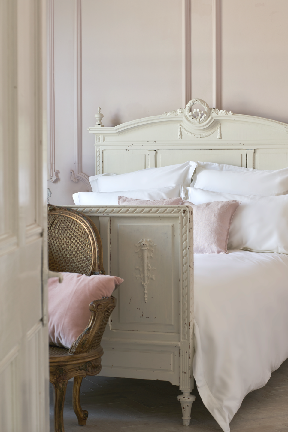 "<p><a class=""link rapid-noclick-resp"" href=""https://www.tielleloveluxury.co.uk/product/smooth-silky-600tc-bedlinen-set/"" rel=""nofollow noopener"" target=""_blank"" data-ylk=""slk:Shop Now"">Shop Now</a></p><p>If you want hotel-living round the clock, Tielle is where to shop. The official supplier to the likes of The Savoy, The Dorchester and The Lanesborough, Tielle offers a wide range of fabrics and sizes to choose from. </p><p>Smooth and silky 600tc bedlinen set, from £180, <a href=""https://www.tielleloveluxury.co.uk/product/smooth-silky-600tc-bedlinen-set/"" rel=""nofollow noopener"" target=""_blank"" data-ylk=""slk:Tielle"" class=""link rapid-noclick-resp"">Tielle</a></p>"
