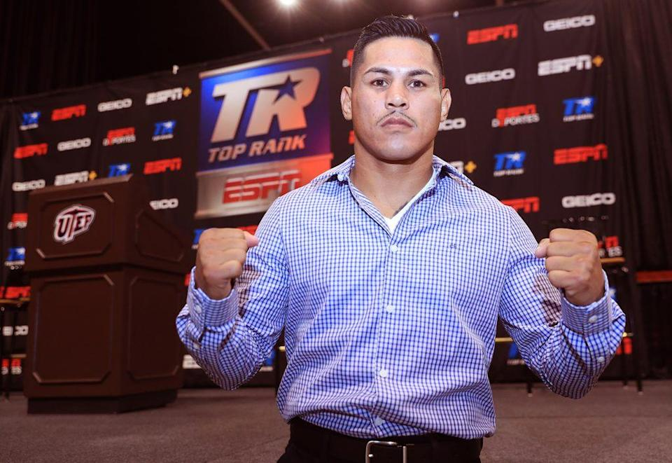"""""""Mickey"""" Román poses for media during a press conference on Sept. 15 in Las Vegas. (Photo courtesy Top Rank)"""