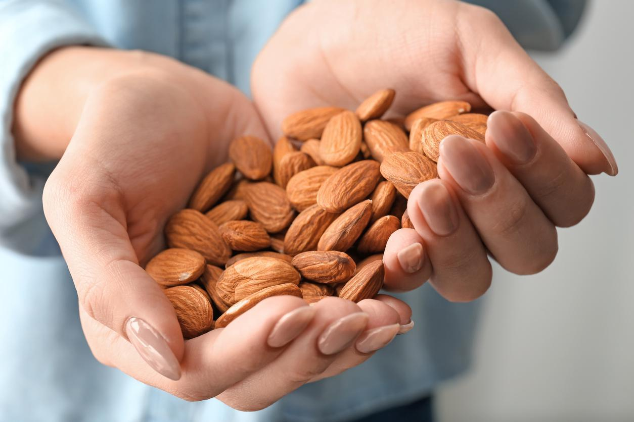 """<p>Looking for a brain-boosting snack? Almonds (<a href=""""https://www.thedailymeal.com/healthy-eating/almonds-aren-t-nuts-they-re-fruit?referrer=yahoo&category=beauty_food&include_utm=1&utm_medium=referral&utm_source=yahoo&utm_campaign=feed"""">which are actually considered fruits, not nuts</a>) are your answer. <a href=""""https://www.ncbi.nlm.nih.gov/pubmed/26548495?referrer=yahoo&category=beauty_food&include_utm=1&utm_medium=referral&utm_source=yahoo&utm_campaign=feed"""">Research</a> published in the Brain Research Bulletin shows that almonds can help enhance memory function. They also contain large amounts of vitamin E, which <a href=""""https://www.ncbi.nlm.nih.gov/pmc/articles/PMC4276978/?referrer=yahoo&category=beauty_food&include_utm=1&utm_medium=referral&utm_source=yahoo&utm_campaign=feed"""">has been shown</a> to play a significant role in preventing cognitive decline.</p>"""