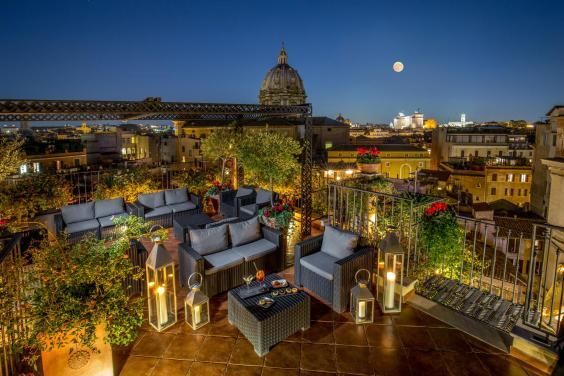 Enjoy a different view of the city from the roof garden (Hotel Campo de' Fiori)