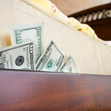 Cash-under-mattress_web