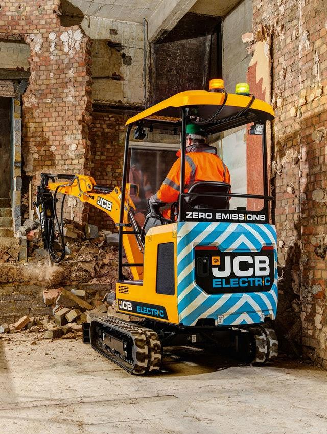 JCB's electric digger