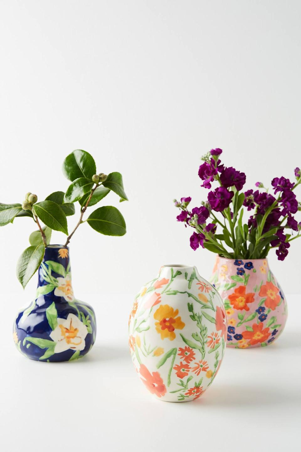 """<p><strong>Leah Goren Anthropologie</strong></p><p>anthropologie.com</p><p><strong>$24.00</strong></p><p><a href=""""https://go.redirectingat.com?id=74968X1596630&url=https%3A%2F%2Fwww.anthropologie.com%2Fshop%2Fleah-goren-marcella-vase&sref=https%3A%2F%2Fwww.womansday.com%2Flife%2Fg955%2Fcheap-gifts-for-women%2F"""" rel=""""nofollow noopener"""" target=""""_blank"""" data-ylk=""""slk:Shop Now"""" class=""""link rapid-noclick-resp"""">Shop Now</a></p><p>Sure, she'll love flowers in a vase, but flowers on a vase will provide twice the smiles.</p>"""