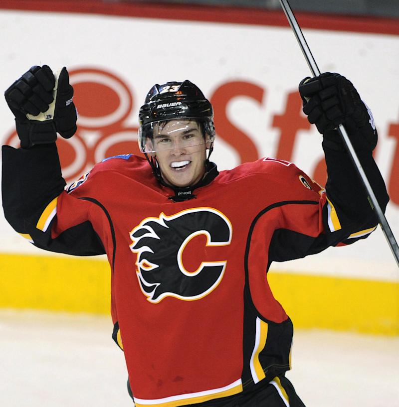 Rookie Monahan lifts Flames past Devils 3-2