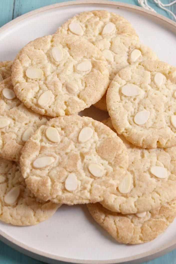 """<p>Your perfect excuse to throw a beach party.</p><p>Get the recipe from <a href=""""https://www.delish.com/cooking/recipe-ideas/recipes/a48057/sand-dollar-cookies-recipe/"""" rel=""""nofollow noopener"""" target=""""_blank"""" data-ylk=""""slk:Delish"""" class=""""link rapid-noclick-resp"""">Delish</a>.</p>"""