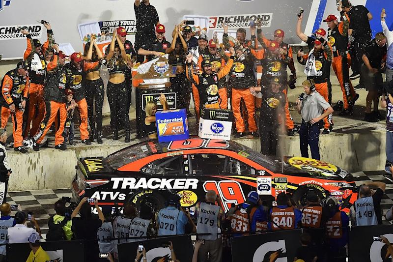 Truex recovers from spin to win at Richmond