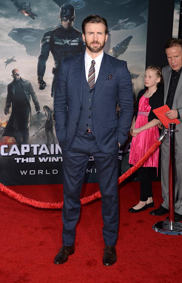 "HOLLYWOOD, CA - MARCH 13: Actor Chris Evans arrives for the premiere of Marvel's ""Captain America: The Winter Soldier"" at the El Capitan Theatre on March 13, 2014 in Hollywood, California. (Photo by Jason Merritt/Getty Images)"
