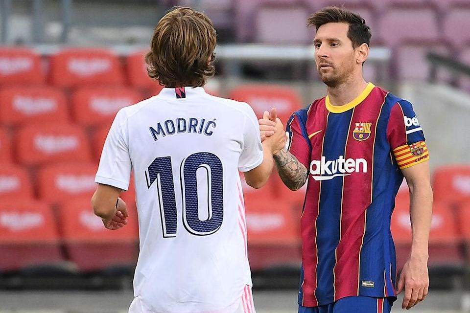 <p>The second Clasico of the season will likely determine the biggest threat to Atletico Madrid to win the title</p> (AFP via Getty Images)