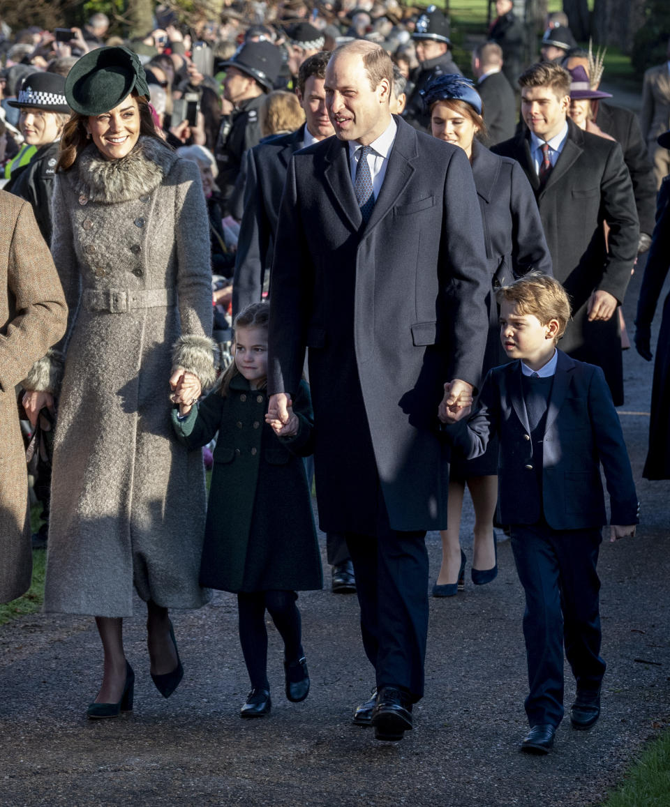 KING'S LYNN, ENGLAND - DECEMBER 25: Catherine, Duchess of Cambridge and Prince William, Duke of Cambridge with Prince George of Cambridge and Princess Charlotte of Cambridge attend the Christmas Day Church service at Church of St Mary Magdalene on the Sandringham estate on December 25, 2019 in King's Lynn, United Kingdom. (Photo by Mark Cuthbert/UK Press via Getty Images)