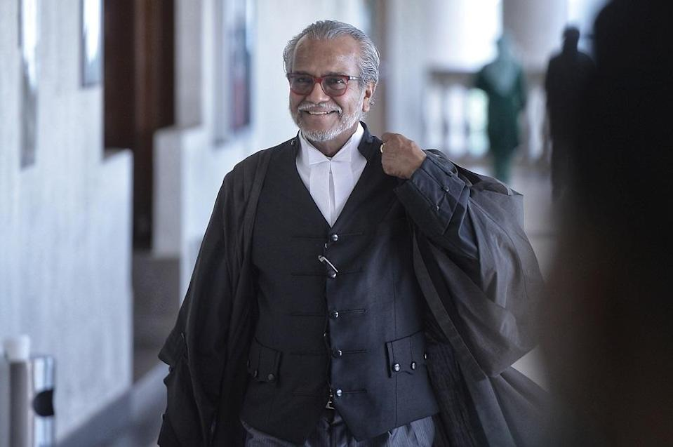 High Court Judge Mohamed Zaini Mazlan was scheduled to deliver his decision today after hearing submissions from Najib's lawyer, Tan Sri Mohamad Shafee Abdullah (pic) and senior deputy public prosecutor Datuk Seri Gopal Sri Ram on July 23. ― Picture by Shafwan Zaidon