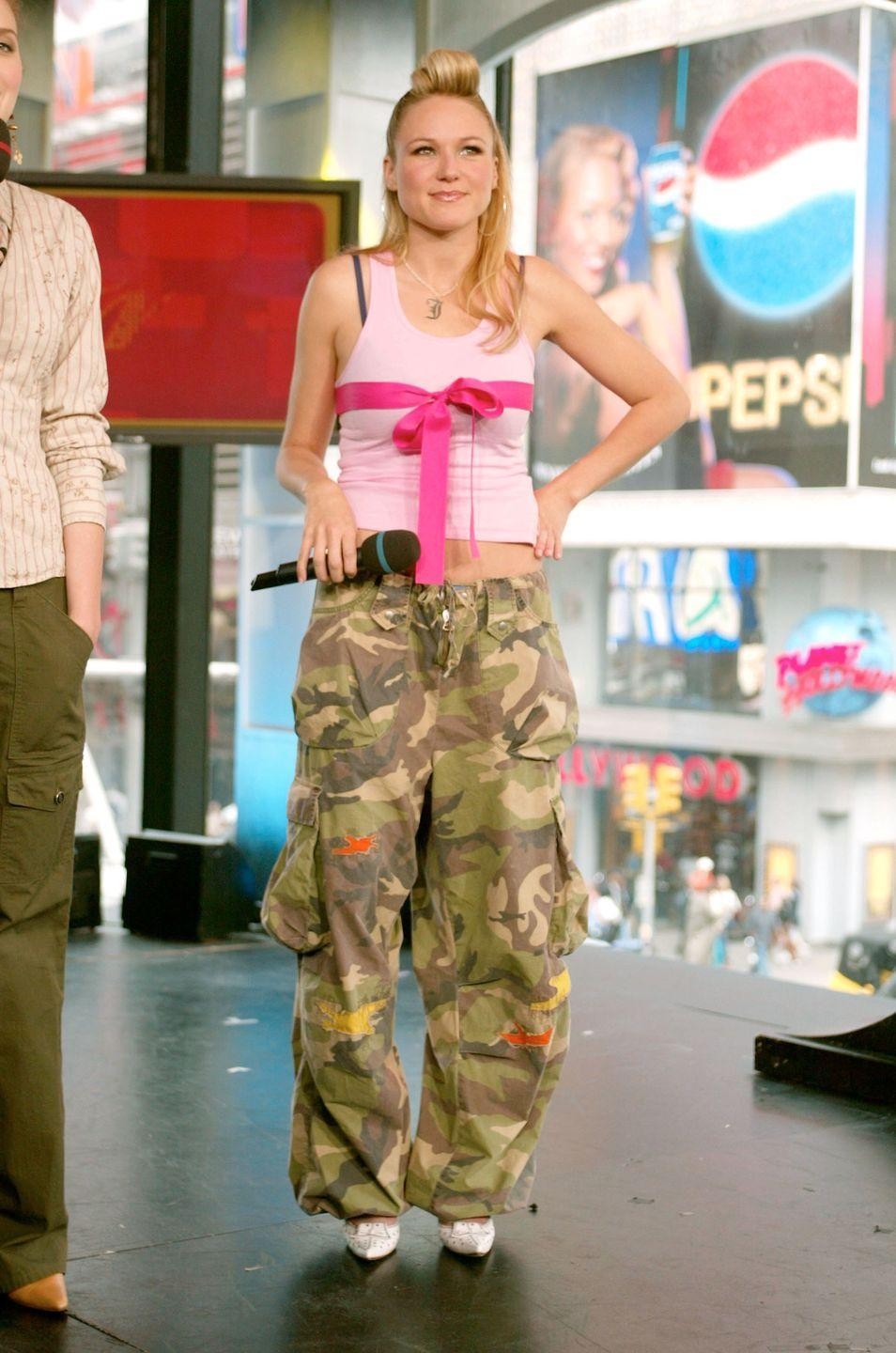 <p>There is so much wrong with Jewel's <em>TRL </em>outfit, there's really nothing I can say.</p>