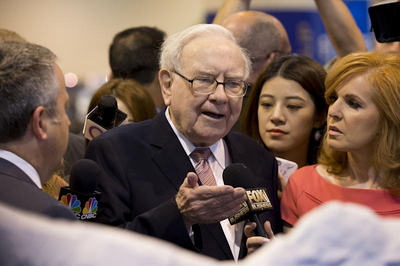 Warren Buffett Bought Apple Because Consumers Don't Want the 'Cheapest' Smart Phone