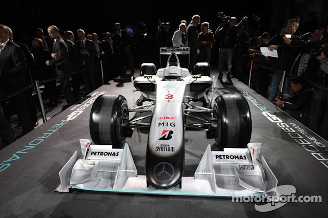 "Auto Brawn GP 2009 con la decoración de Mercedes 2010 <span class=""copyright"">Mercedes GP Petronas Formula One Team</span>"