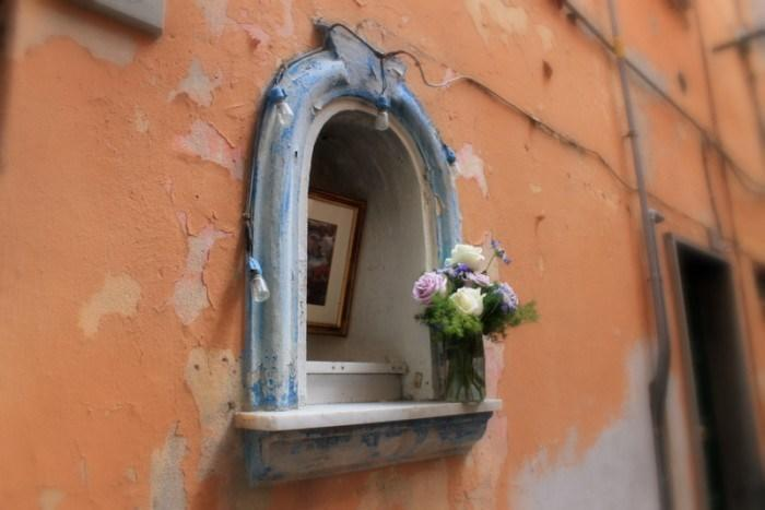 """<p>A colorful pop of blue caught my eye down this street in Vernazza.</p><p><i>(Photo: <a href=""""http://www.dtravelsround.com/"""" rel=""""nofollow noopener"""" target=""""_blank"""" data-ylk=""""slk:D Travels Round"""" class=""""link rapid-noclick-resp"""">D Travels Round</a>)</i><br></p>"""