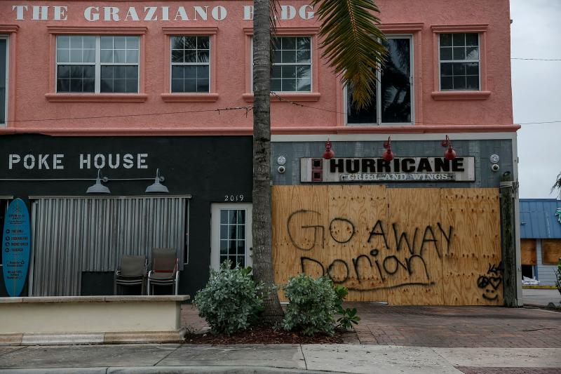 Businesses are seen shuttered near Fort Pierce Jetty Park, in Fla. on Sept. 2, 2019. (Photo: Adam Delgiudice/AFP/Getty Images)