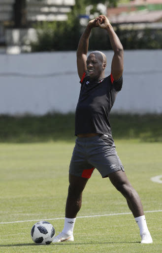 Peru's Luis Advincula exercises during the official training on the eve of the group C match between Peru and Australia at the 2018 soccer World Cup, in Sochi, Russia, Monday, June 25, 2018. (AP Photo/Andre Penner)
