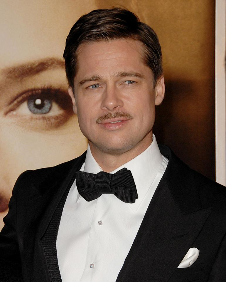 """<a href=""""http://movies.yahoo.com/movie/contributor/1800018965"""">Brad Pitt</a> at the Los Angeles premiere of <a href=""""http://movies.yahoo.com/movie/1809785152/info"""">The Curious Case of Benjamin Button</a> - 12/08/2008"""