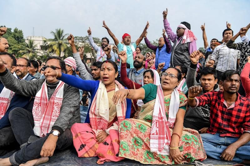 Demonstrators shout slogans during a protest against the government's Citizenship Amendment Bill (CAB) in Guwahati on December 13, 2019. (Photo: SAJJAD HUSSAIN via Getty Images)