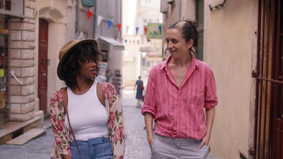 """Idella Johnson and Hannah Pepper ponder their past and future together in """"Ma Belle, My Beauty."""""""