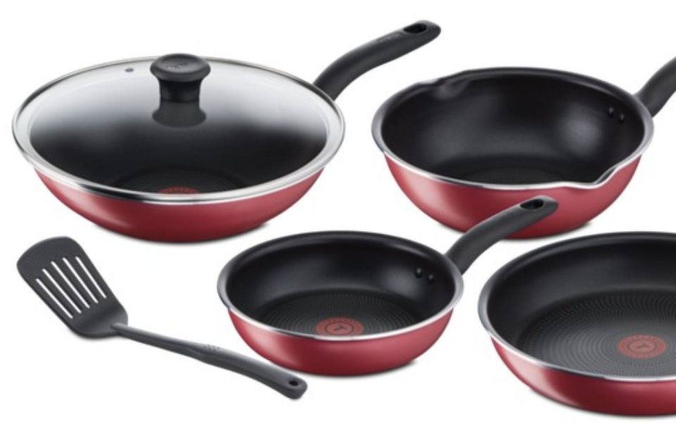 Tefal So Red 6-piece set. (PHOTO: Lazada Singapore)