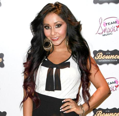 """Snooki Wants a Boob Job After Nursing Baby Lorenzo: They're Not """"Perky"""" Enough"""