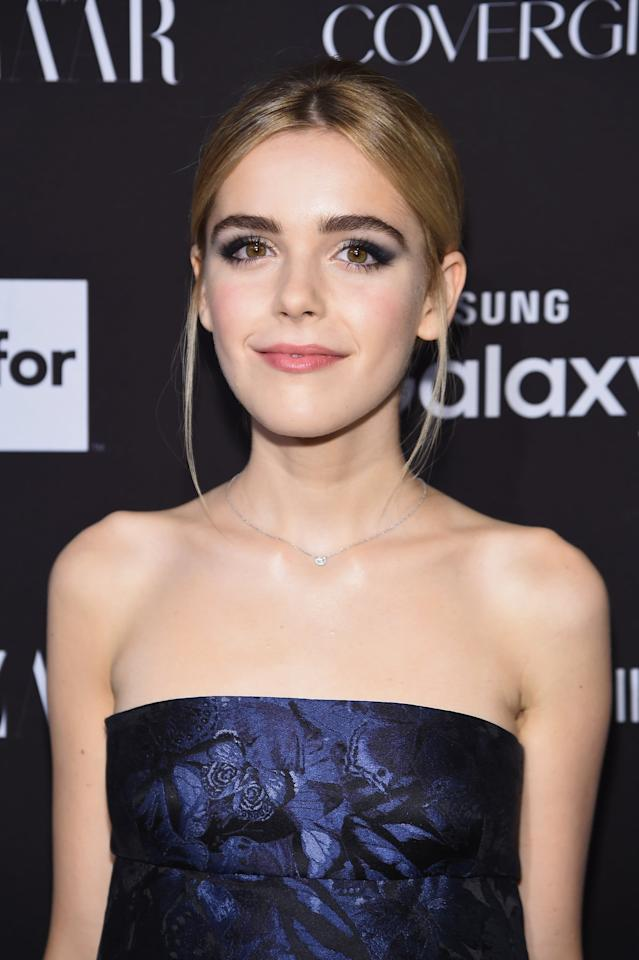 <p>At the 2015 <strong>Harper's Bazaar</strong> Icons Event, Kiernan wore a dark blue smoky eye that matched her dress and a sleek low ponytail.</p>