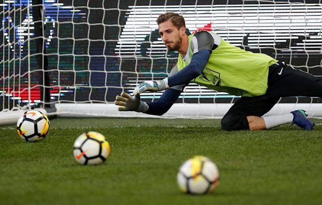 Soccer Football - Coupe de France - Semi-Final - Caen vs Paris St Germain - Stade Michel d'Ornano, Caen, France - April 18, 2018 Paris Saint-Germain's Kevin Trapp warms up before the match REUTERS/Stephane Mahe