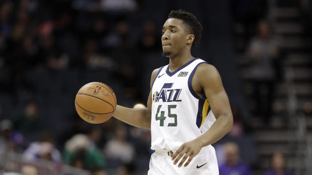 "<a class=""link rapid-noclick-resp"" href=""/ncaab/players/131179/"" data-ylk=""slk:Donovan Mitchell"">Donovan Mitchell</a> is putting on a show once again. (AP Photo/Chuck Burton)"