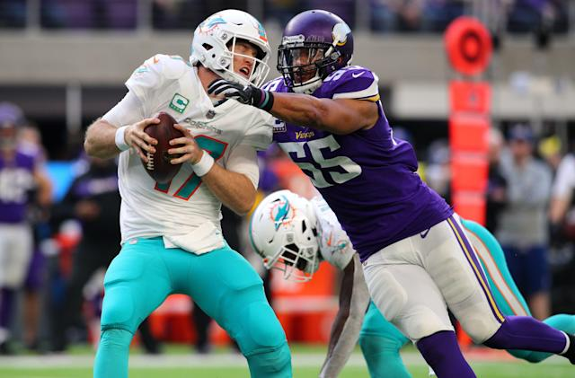 "<a class=""link rapid-noclick-resp"" href=""/nfl/players/27537/"" data-ylk=""slk:Anthony Barr"">Anthony Barr</a> will reportedly plans to sign with the <a class=""link rapid-noclick-resp"" href=""/nfl/teams/ny-jets/"" data-ylk=""slk:New York Jets"">New York Jets</a>. (Getty)"