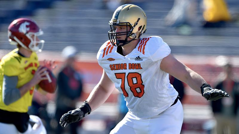 Eagles bring back former Army offensive tackle Brett Toth off waivers
