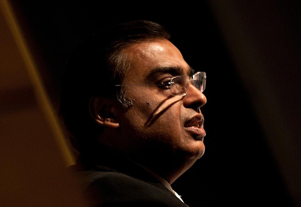 "Reliance Industries Chairman Mukesh Ambani delivers his address during the 5th Annual Col. Ajay Mushran's Memorial Lecture in New Delhi on July 10, 2011. Ambani delivered a lecture addressed on ""Corporate Social Responisibilty"". AFP PHOTO/ MANAN VATSYAYANA"