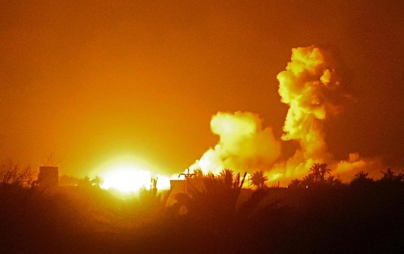 The jihadist bastion has been pounded by shelling and air strikes by coalition warplanes (AFP Photo/Delil SOULEIMAN)