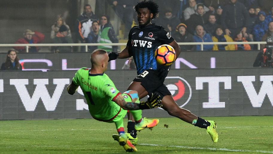 """<p>The Ivorian has been linked with pretty much every top club in Europe, with the Premier League showing the greatest interest. With reports circulating about Chelsea and Arsenal's interest, Kessie recently came out with something much more interesting.</p> <br /><p>""""I like the Premier League and in particular Manchester United, the club I dream of playing for.</p> <br /><p>""""Chelsea? That is also a big club, nobody would turn them down, but I dream of United."""" He told TuttoMercatoWeb via <a rel=""""nofollow"""" href=""""http://www.eurosport.com/football/serie-a/2016-2017/franck-kessie-i-dream-of-man-utd_sto6068674/story.shtml""""><strong>EuroSport.</strong></a></p>"""