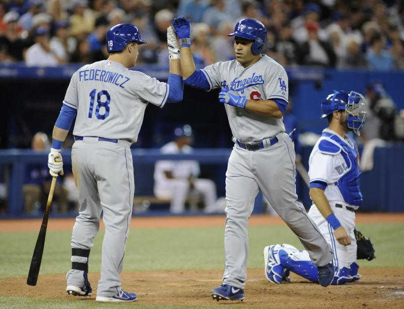 Gonzalez homers, Dodgers rally past Blue Jays 10-9