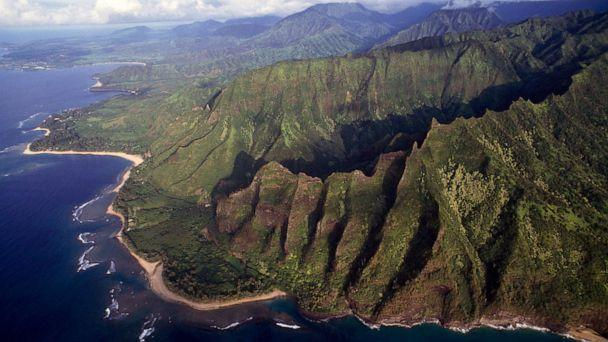 PHOTO: A stretch of cliffs, Na Pali Coast State Wilderness Park, Kauai, Hawaii, in 2003. (De Agostini via Getty Images)