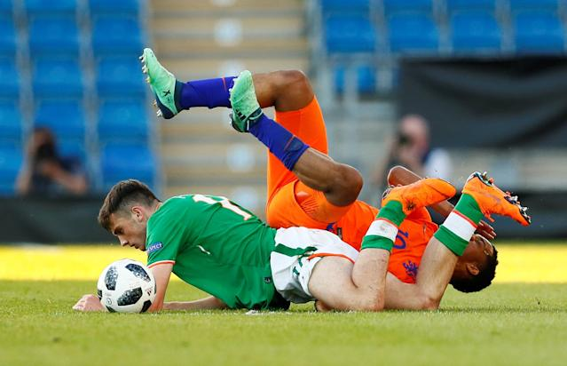 Soccer Football - UEFA European Under-17 Championship Quarter-Final - Netherlands vs Republic of Ireland - Proact Stadium, Chesterfield, Britain - May 14, 2018 Netherland's Quinten Maduro in action with Ireland's Troy Parrott Action Images via Reuters/Jason Cairnduff