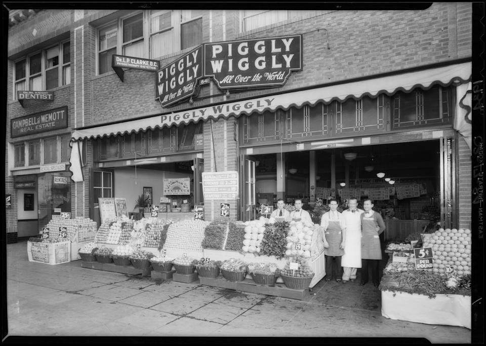 Piggly Wiggly Grocery Store. (Photo by Dick Whittington Studio/Corbis via Getty Images)