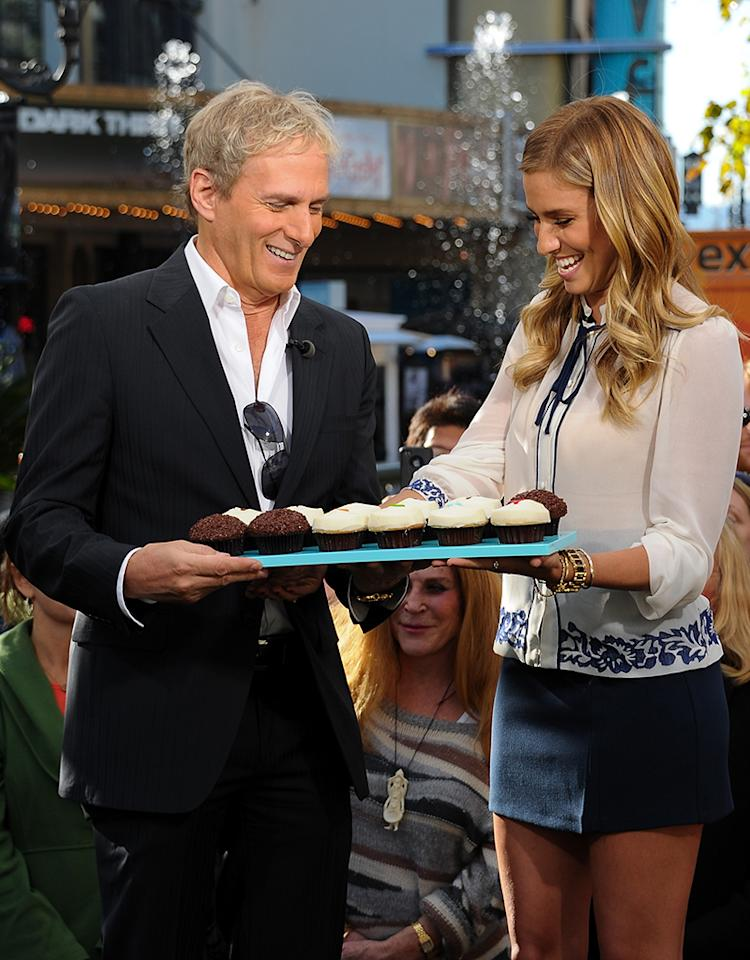 "The Cast From ""The Mindy Kaling Show"", Jackie Weaver, And Michael Bolton On ""Extra"""