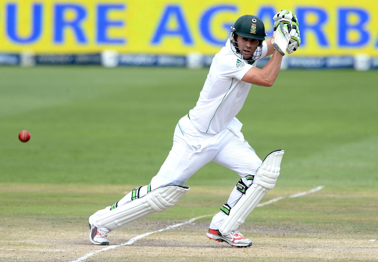 JOHANNESBURG, SOUTH AFRICA - DECEMBER 22: (SOUTH AFRICA OUT) AB de Villiers of South Africa cuts square during day 5 of the 1st Test match between South Africa and India at Bidvest Wanderers Stadium on December 22, 2013 in Johannesburg, South Africa. (Photo by Duif du Toit/Gallo Images/Getty Images)