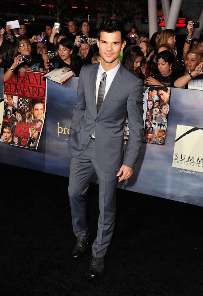 "Taylor Lautner arrives at ""The Twilight Saga: Breaking Dawn - Part 2"" Los Angeles premiere at Nokia Theatre L.A. Live on November 12, 2012 in Los Angeles, California.  (Photo by Steve Granitz/WireImage)"