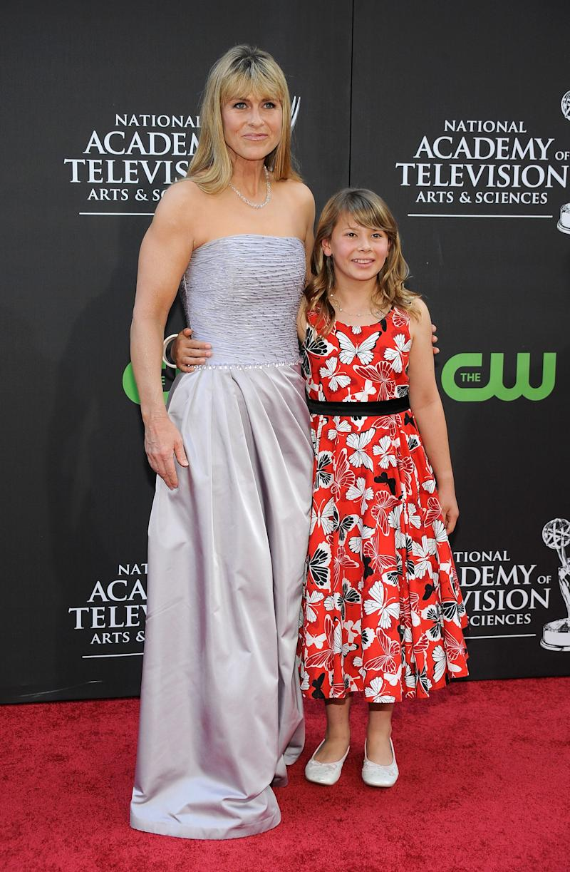 TV personality Bindi Irwin (R) and Terri Irwin attend the 36th Annual Daytime Emmy Awards at The Orpheum Theatre on August 30, 2009 in Los Angeles, California. (Photo by Frazer Harrison/Getty Images)