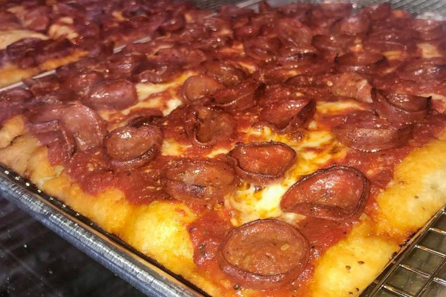 Get Pizza And More At Long Beach S New Milanas Brooklyn Squares