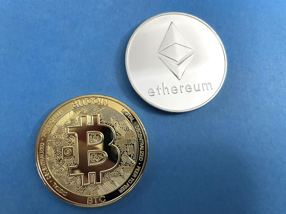 Photo by: STRF/STAR MAX/IPx 2021 4/14/21 Bitcoin and Ethereum rally to record highs ahead of Coinbase listing.