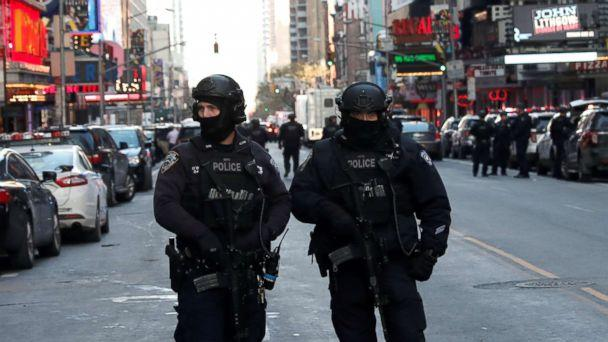 PHOTO: Police officers stand on a closed West 42nd Street near the New York Port Authority Bus Terminal after reports of an explosion in New York, Dec. 11, 2017. (Mike Segar/Reuters)
