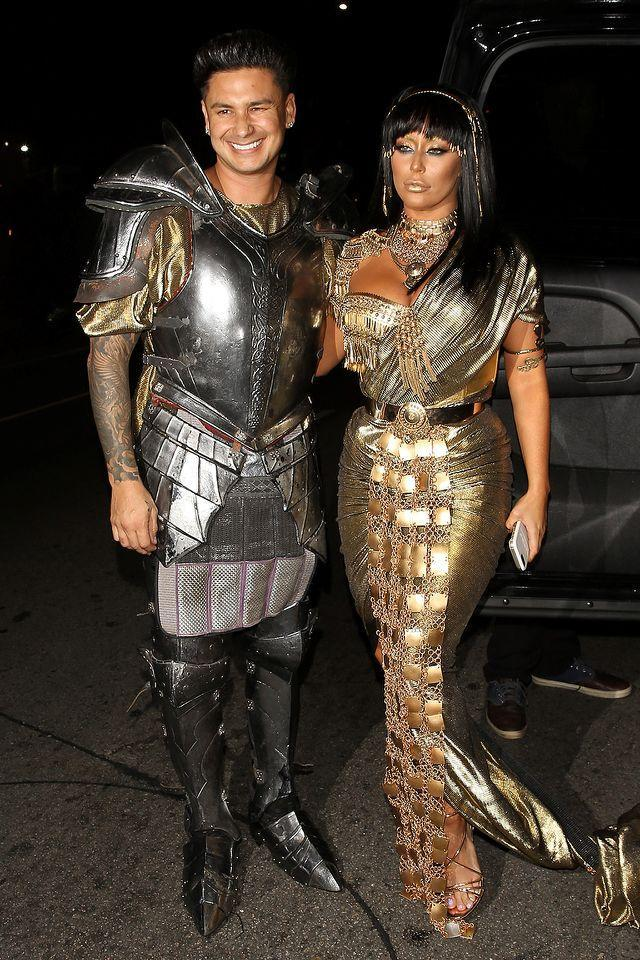 <p>The couple that dresses together, stays together — at least that's what must have the reality stars must have been thinking when they went as Mark Antony and Cleopatra. They were wrong. (Photo: AKM-GSI) </p>