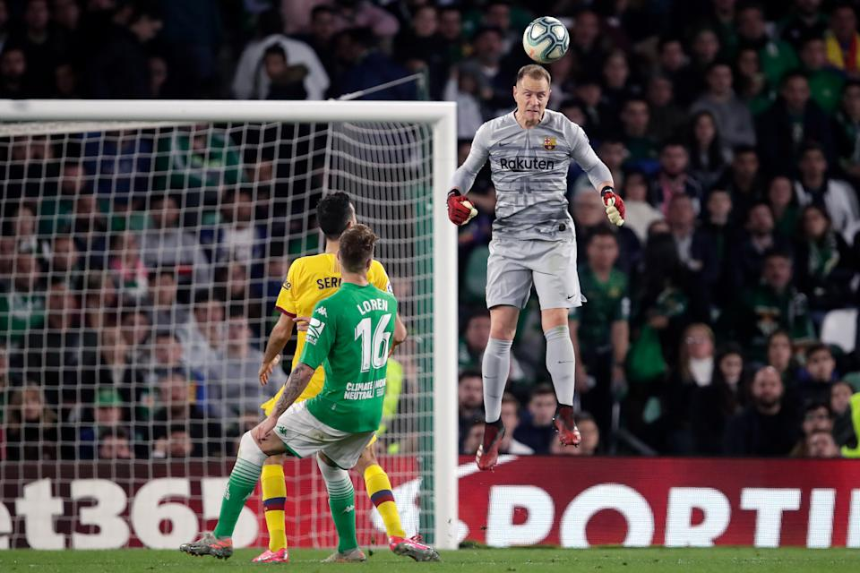 SEVILLA, SPAIN - FEBRUARY 9: Marc Andre ter Stegen of FC Barcelona  during the La Liga Santander  match between Real Betis Sevilla v FC Barcelona at the Estadio Benito Villamarin on February 9, 2020 in Sevilla Spain (Photo by Eric Verhoeven/Soccrates/Getty Images)