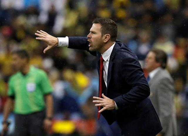 Soccer Football - CONCACAF Champions League - Club America v Toronto FC - Azteca stadium, Mexico City, Mexico - April 10, 2018 - Head coach Greg Vanney of Toronto FC gives instructions to his players. REUTERS/Henry Romero